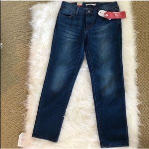 NWT Levi's boyfriend jeans 26 blue comfy summer
